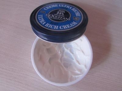 Baume corps beurre de karité gamme l'occitane