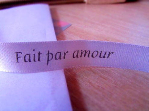 "Ruban ""fait avec amour"" - box multitude"
