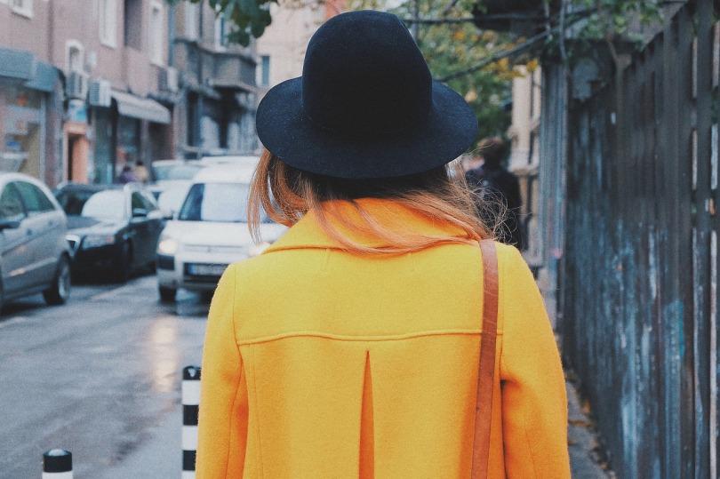 portrait femme tenue d'automne