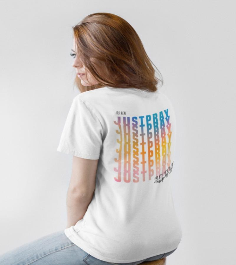 """Le t-shirt """"just pray"""" pour femmes"""