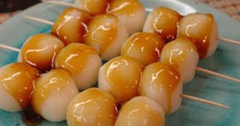 Le dessert japonais dango mochi sauce shoyu caramel