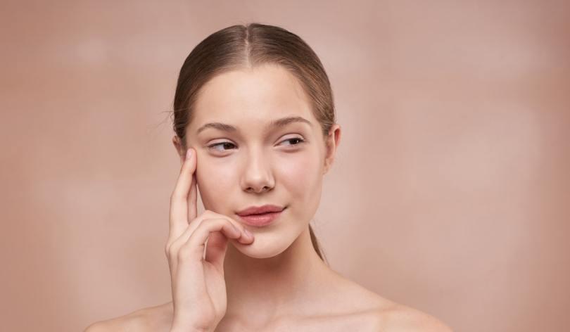 Yoga du visage : ces gestes simples à adopter