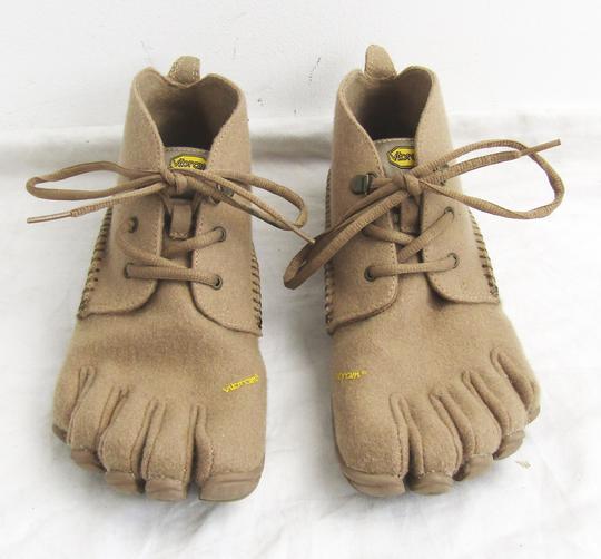 Chaussures en forme de pieds