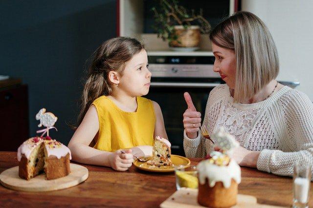 Réaliser un gâteau avec ses enfants