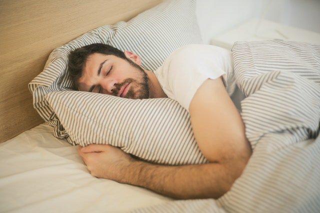 Ne pas dormir avec les bijoux